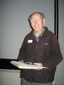 Jan van Tussebroek krijgt zilveren penning nov08 foto J Stuart (3)